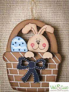 Hand painted wooden Easter decoration #ValandLuc #Easter