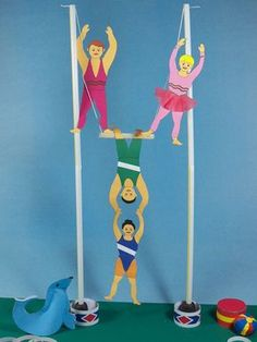 circus crafts | ... Circus Trapeze Performers - 3D Paper Crafts - Aunt Annies Crafts