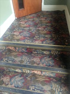 British pub carpet found in The Market Tavern, Knaresborough, North Yorkshire - Apr 2017.