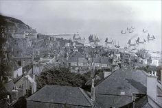 Old Photo Archive - Hastings UK Photo Archive at Hastings & St Leonards Guide Hastings Castle, Hastings Old Town, Hastings East Sussex, Uk Photos, Great Photos, Hastings Seafront, Luxury Sailing Yachts, Photo Archive, Old Pictures