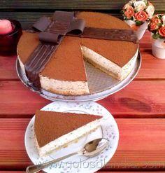 Tarta de tiramisu fácil receta casera paso a paso.  http://www.golosolandia.com/2014/01/tarta-de-tiramisu.html