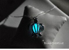 glow in the dark sea turtle pendant 18k white gold by BinhCreative, €30.00