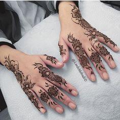 Henna by hennainspire Floral Henna Designs, Henna Designs Feet, Mehndi Designs For Fingers, Henna Designs Easy, Henna Tattoo Designs, Latest Arabic Mehndi Designs, Eid Mehndi Designs, Mehndi Designs For Beginners, Mehndi Designs For Girls