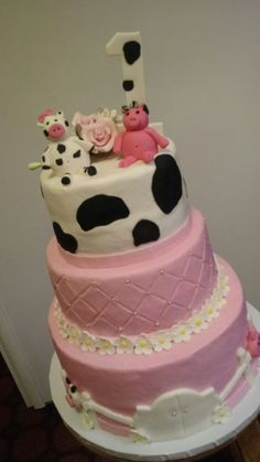Girls Farm Birthday cake