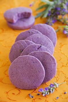 Biscuits à la lavande1 Asian Desserts, No Cook Desserts, Gluten Free Desserts, Biscotti Cookies, Galletas Cookies, Biscuit Bar, Purple Food, Flower Food, No Sugar Foods