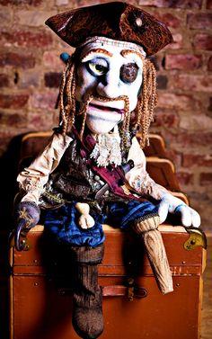 Puppet Notizie  http://puppet-master.com - THE VENTRILOQUIST ASSISTANT