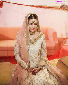 Dulhan Dress, Nikkah Dress, Pakistani Bridal Dresses, Bride Dresses, Wedding Dresses, Beautiful Bridal Dresses, Beautiful Outfits, Bridal Makeover, Stylish Girls Photos