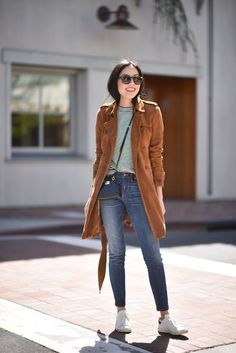 casual Casual Outfits For Teens, Casual Winter Outfits, Simple Outfits, Chic Outfits, Fall Outfits, Suede Trench Coat, Trench Coat Outfit, Casual Chic, Comfy Casual