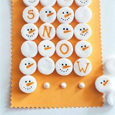 Super-Easy Snowmen Treats Petite candy mints make for an icy and welcoming treat. Draw snowmen faces and pretty script with edible markets from the cake-decorating aisle at the crafts store. To give them as a gift, arrange a grid on card stock and adhere the mints with a dot of royal icing. Slide the assortment into a cellophane bag and add a ribbon tie and tag.