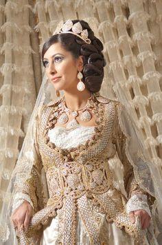 negafa marocaine robe de mariage en France - Caftan Boutique