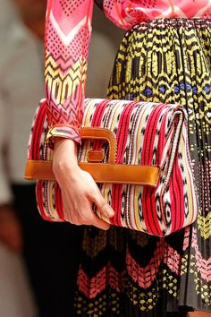 Mexican style clutch