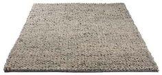 Handgefertigte, hochwertige Teppiche Alle Teppiche tragen ein Care&Fair-Siegel zum Zeichen dafür, dass die Herstellung der Teppiche ohne den Einsatz von Kinderarbeit erfolgt. Gleichzeitig wird eine Spende zur Verbesserung der Bedingungen für Kinder in Indien, besonders im Bereich Gesundheit und Bildung, garantiert
