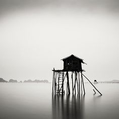 Josef Hoflehner - Fragile Hut, Vietnam 2005