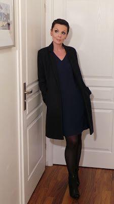 8868b34bf86 Moduxe  La petite robe bleue... Moduxe · mode femme pour être tendance à 50  ans ...