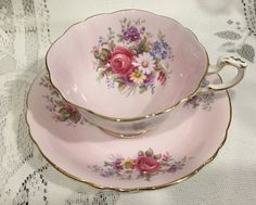Vintage Bone China Tea Cup Saucer - English by CupsAndRoses on Etsy Vintage Cups, Vintage Dishes, Vintage Floral, Shabby, Teapots And Cups, Teacups, Bone China Tea Cups, My Cup Of Tea, Chocolate Pots