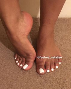 Toe Nails White, Acrylic Toe Nails, Pretty Toe Nails, White Toes, Cute Toe Nails, Pretty Toes, Gel Nails, White Pedicure, Pretty Black Girls