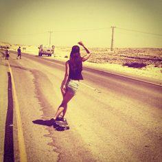 LONGBOARD GIRLS CREW Valeria Kechichian