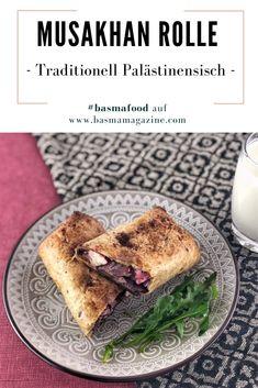 Musakhan ist eins der bekanntesten Gerichte in der palästinensischen Küche. Die Zutaten bestehen aus Hähnchen, Zwiebeln, arabischem Tanur Brot, Olivenöl und Sumach oder auch Sumak genannt. Fusion Food, Fast Food, Vegan, French Toast, Sandwiches, Breakfast, Desserts, Finger Food, Easy Meals