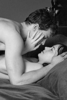 """✿ """"Pondré el mundo a tus pies, Anastasia. Te quiero en cuerpo y alma, para siempre."""" ✿"""