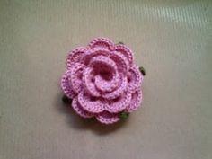 Segnaposto a forma di fiore di uncinetto