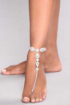 Anklets Dare You To Shine Anklet - Silver Silver Anklets Designs, Anklet Designs, Jewelry Trends, Jewelry Accessories, Fashion Accessories, Anklet Bracelet, Bare Foot Sandals, Stone Jewelry, Women's Jewelry