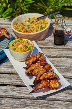 Ha nyár, akkor kerti grillezés! Az Ázsiában nagyon közkedvelt kólás csirke pedig egy egyszerű, de nagyszerű recept, amit kánikulában is gyorsan el tudtok készíteni. Ketchup, Wok, Bagel, Mozzarella, Chicken Wings, Hamburger, Grilling, Lasagna, Crickets