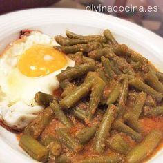 Con este mismo guiso de judías verdes esparragadas se pueden preparar otras verduras como espinacas, brócoli, habas... Podemos sevir con un huevo cuajado o frito.