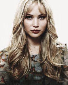 Jennifer Lawrence - long layered cut with face framing. Minimal texturizing.