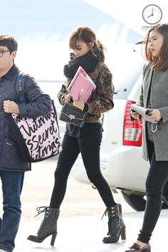 SNSD Tiffany Airport Fashion 150204 2015 | Love her boots