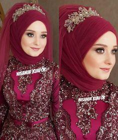 Tesettür Giyim ( 8124 Likes 48 Comments ) Muslimah Wedding Dress, Hijab Style Dress, Hijab Wedding Dresses, Pakistani Dresses, Mode Turban, Hair Turban, Turban Hijab, Bridal Hijab, Hijab Bride