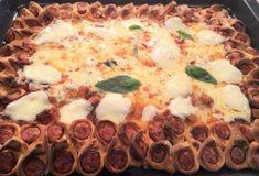 Οικογενειακή πίτσα-featured_image Calzone, Food Categories, Pepperoni, Mashed Potatoes, Pizza, Cooking, Ethnic Recipes, Drink, Whipped Potatoes