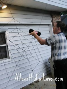 diy giant spider web halloween decoration - Giant Spider Halloween Decoration