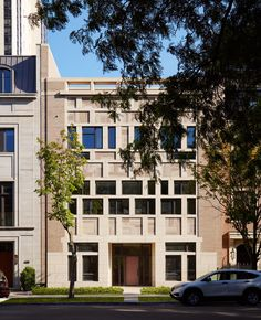 Patchwork of brick and glass fronts Chicago townhouse by HBRA Architects