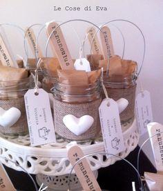 Queste sono le bomboniere che ho realizzato per il battesimo di Lorenzo e Vittoria , due bambini per me davvero speciali ♥ A...