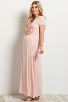 b1de5fca68cd7 35 Best Maternity Styling images | Maternity Fashion, Clothes for ...