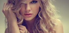 Taylor Swift looks awesome!