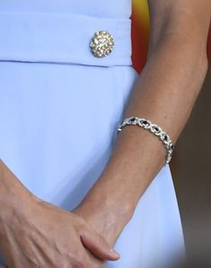 Queen Letizia debuted Baby Blue UFO Dress featuring two jeweled buttons at the front of the tabbed waistline at Order of Merit Distribution. Order Of Merit, Queens Jewels, Peace And Harmony, Royal Jewelry, Queen Letizia, Aqua Marine, Crown Jewels, Bvlgari, Teardrop Earrings