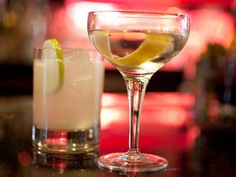 You go boo! Drank like a man. Alcohol is landing more and more Ontarians in the emergency room, according to a new report. Diet Drinks, Alcoholic Drinks, Brunch, Freezer Burn, Food Trends, Good Fats, Public Health, Spa Day, Healthy Habits