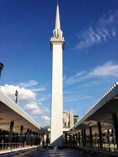 国立モスク。礼拝時間になると礼拝を呼びかけるメッセージが流れる。クアランプール 旅行・観光のおすすめスポット!
