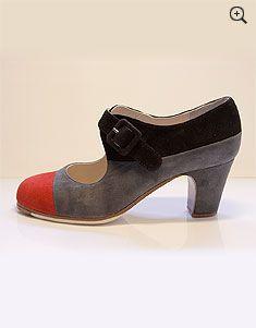 Toe cap flamenco shoe. Ole!