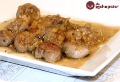 rinones al jerez Spanish Kitchen, Spanish Cuisine, Spanish Food, Perfect Food, Charcuterie, Food Design, Crockpot, Garlic, Good Food