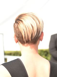 More Pics of Scarlett Johansson Boy Cut (14 of 30) - Short Hairstyles Lookbook - StyleBistro