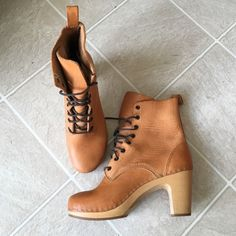 Swedish Hasbeens clog boot High quality Swedish Hasbeen's only worn about 4 times!! Italian made, real leather and wood. Amazing condition. Very few scratches on leather, pictured best I could. Size 39/8.5, fit is true to size. Swedish Hasbeens Shoes Lace Up Boots