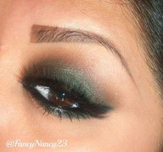 Gorgeous Makeup: Tips and Tricks With Eye Makeup and Eyeshadow – Makeup Design Ideas Eyeshadow Tips, Green Eyeshadow, Makeup For Green Eyes, Eyeshadow Makeup, Green Smokey Eye, Smokey Eye For Brown Eyes, Smokey Eye Makeup, Cute Makeup, Gorgeous Makeup