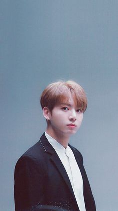 Jeon Jungkook a famous model and a billionaire son of Jeon Junghyun who is the CEO of Jeon corporation who falls for Kim Taehyung his bodyguard. Foto Jungkook, Foto Bts, Jungkook Cute, Jungkook Oppa, Jung Kook, Taehyung, Busan, Billboard Music Awards, Jikook