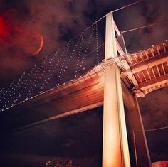 Bosphorus Bridge by night... An extraordinary view!
