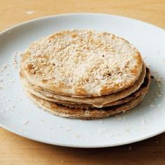pancake for kids Kaneel en kokos pancakes - Lowcar - pancake Healthy Sweets, Healthy Baking, Healthy Drinks, Healthy Snacks, Healthy Recipes, Detox Diet Drinks, Pureed Food Recipes, Love Food, Sweet Recipes