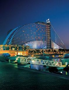 Jumeirah Beach Hotel, Dubai #dubai #uae http://dubaiuae.co/DubaiTravelHotels
