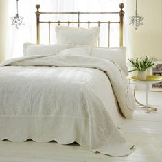 Freya Cream Quilted Bedspread