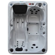 Québec hot tub fits almost any location. This roomy but small spa is packed with all the features of a full size spa. It easily accommodates 4 adults.